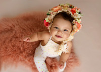 9-month milestone portraits in Polina Kuklina Photography studio